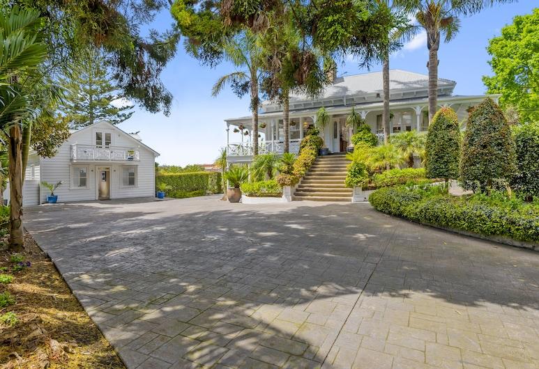 Western Springs Villa, Auckland