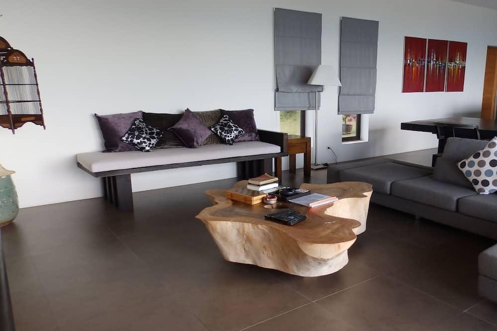 Villa, Multiple Bedrooms, Non Smoking, Kitchen - Living Area