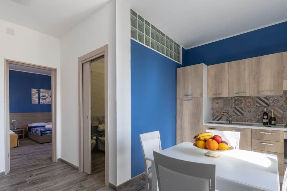 Deluxe Apartment, 1 Bedroom, Sea View - Living Area