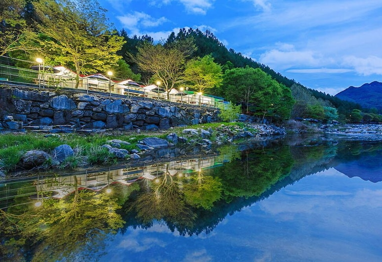 Flower pension, Gapyeong
