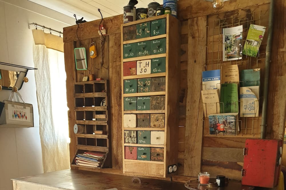 Rekreační domek (Chez Léon) - Obývací prostor