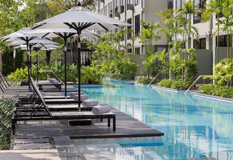 Four Points by Sheraton Phuket Patong Beach Resort, 巴東, 泳池