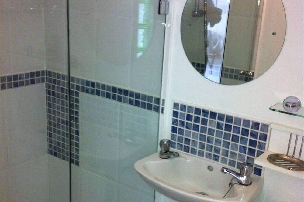 Habitación doble Confort, baño privado, vista al mar (Small Room 7) - Baño