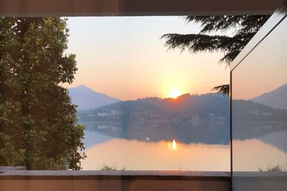 Standard szoba két külön ággyal - Kilátás a tóra