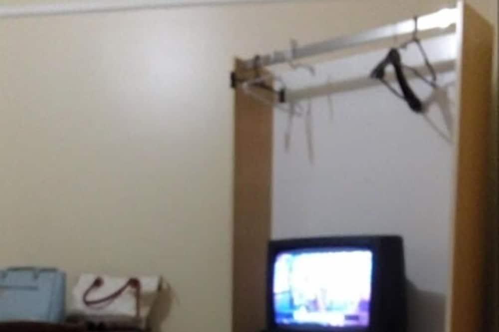 Quadruple Room - Television