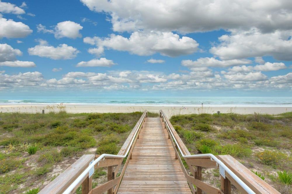 Amazing Oceanview, Family Reunions, Sleeps 16, Jacksonville Beach