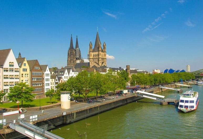 City Apartments in Köln am Rheingarten, Cologne, Berkapal