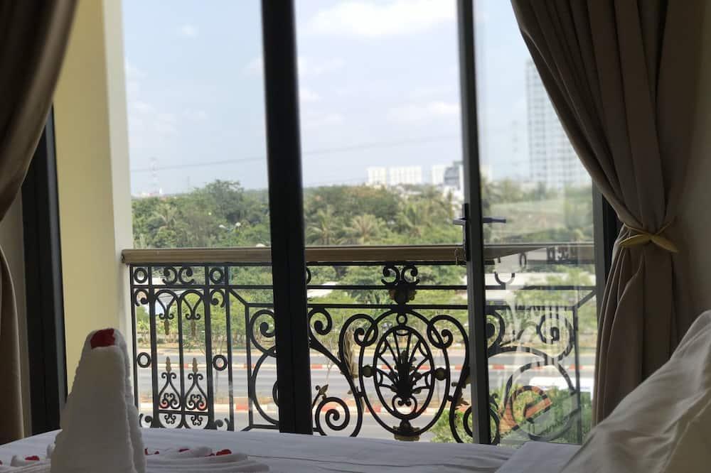 Luxury tuba, 1 ülilai voodi, rõduga, vaade linnale - Rõdu