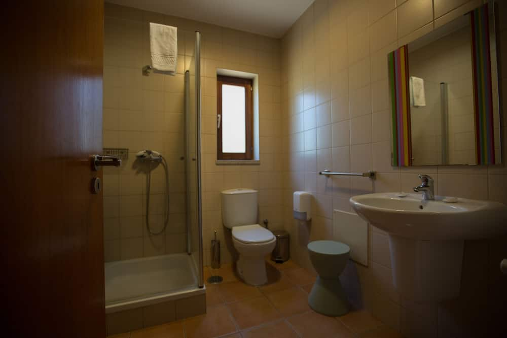 Family Room, Women only - Bathroom
