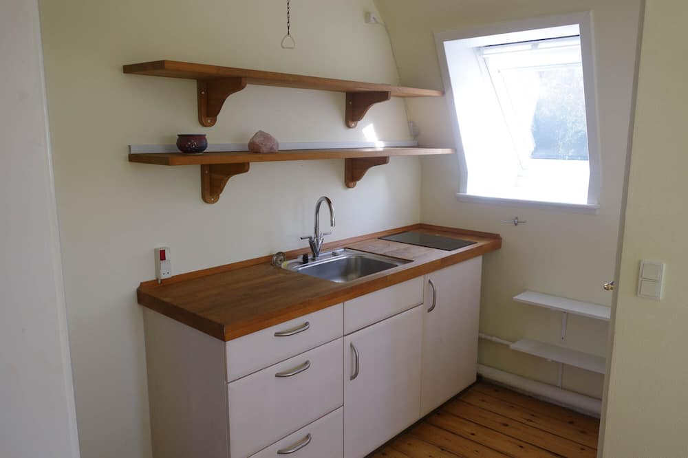 Comfort Double Room, Shared Bathroom (18A) - Shared kitchen