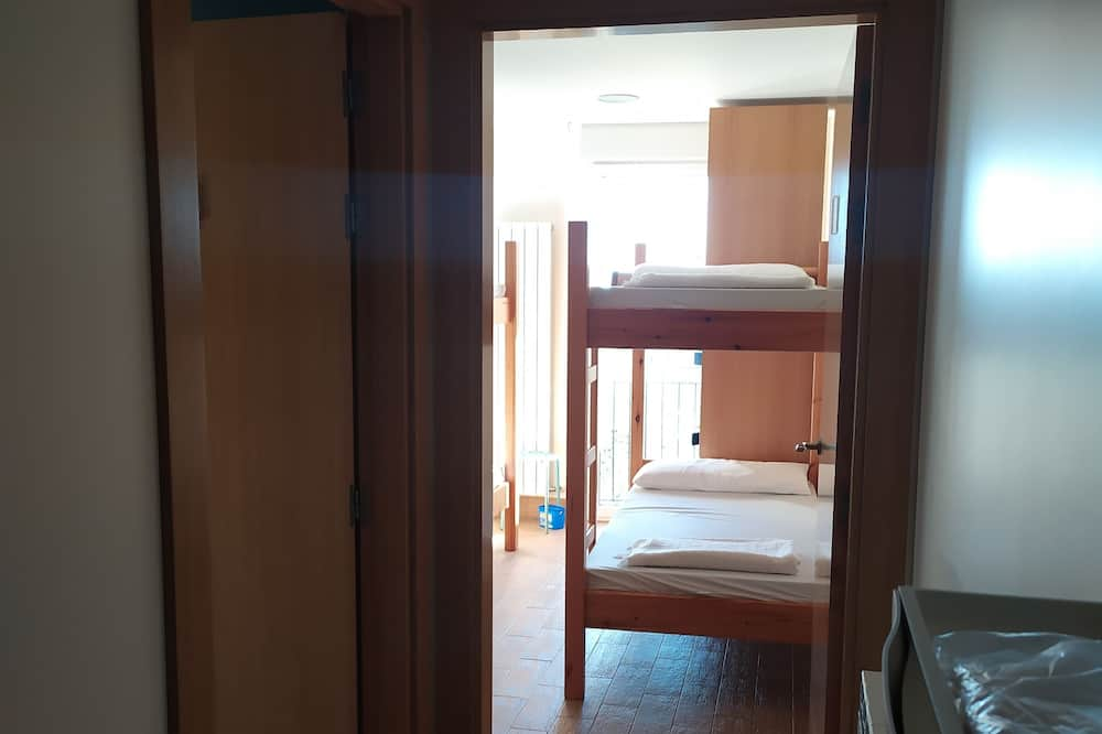 Ortak Ranzalı Oda, Karma Ranzalı Oda, Ortak Banyo (1 bed in a 6 bed Dorm) - Oda