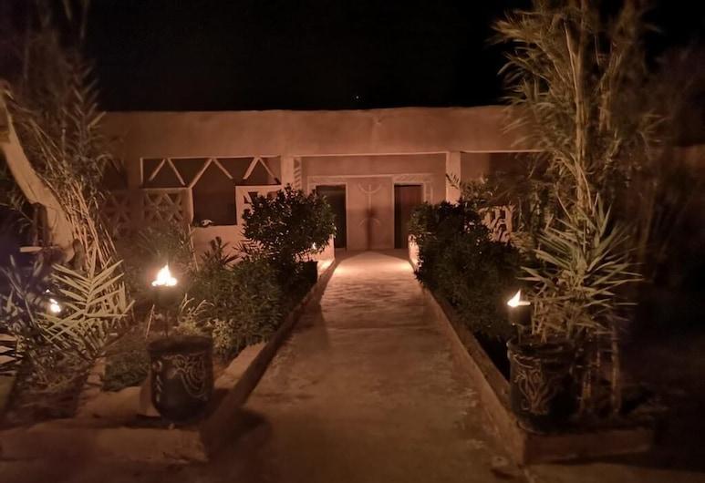 Dar Talmoudi, Tagounite, Průčelí hotelu