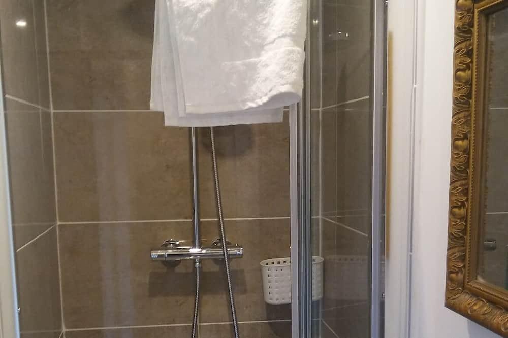 Двухместный номер «Классик», с 1 или 2 кроватями, смежные ванная комната и спальня - Ванная комната