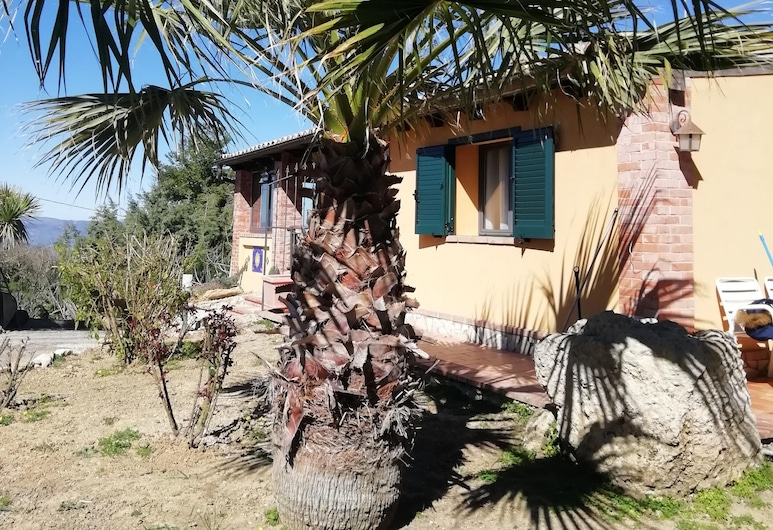 Apartment With one Bedroom in Caltanissetta, With Wonderful Mountain View and Enclosed Garden, Caltanissetta, Hage