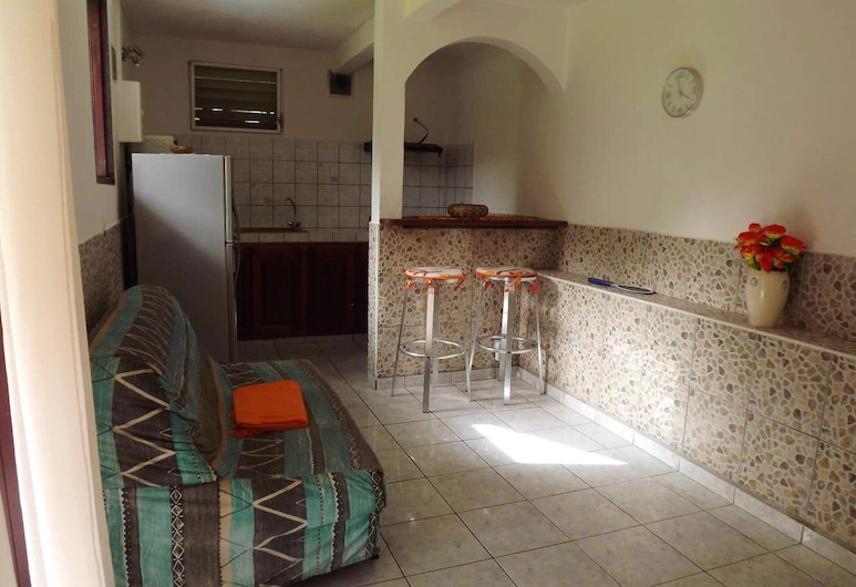 Studio in Le Gosier, With Furnished Balcony and Wifi - 950 m From the Beach, 哥西爾