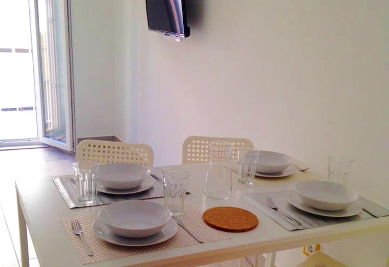 Apartment With one Bedroom in Portimão, With Furnished Terrace and Wifi - 3 km From the Beach, Portimao