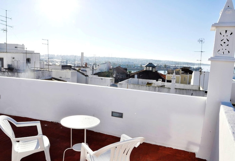 Apartment With one Bedroom in Portimão, With Furnished Terrace and Wifi - 3 km From the Beach, Portimao, Værelse