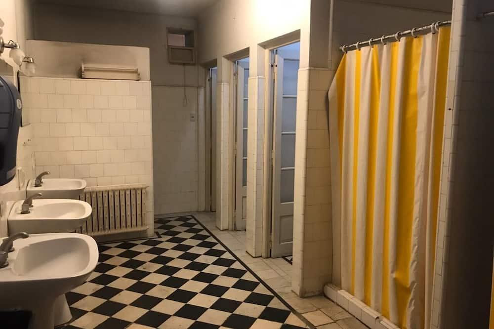 Pokój Club, wspólna łazienka - Łazienka