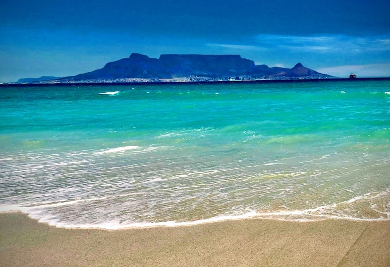 Sea Breeze Bloubergstrand, Cape Town, Beach