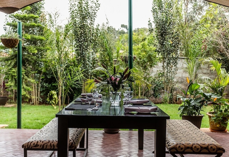 Fair Acres Boutique Hotel, Nairobi, Ristorazione all'aperto