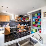 Bed in 4-Bed Mixed Dormitory Room - Shared kitchen facilities