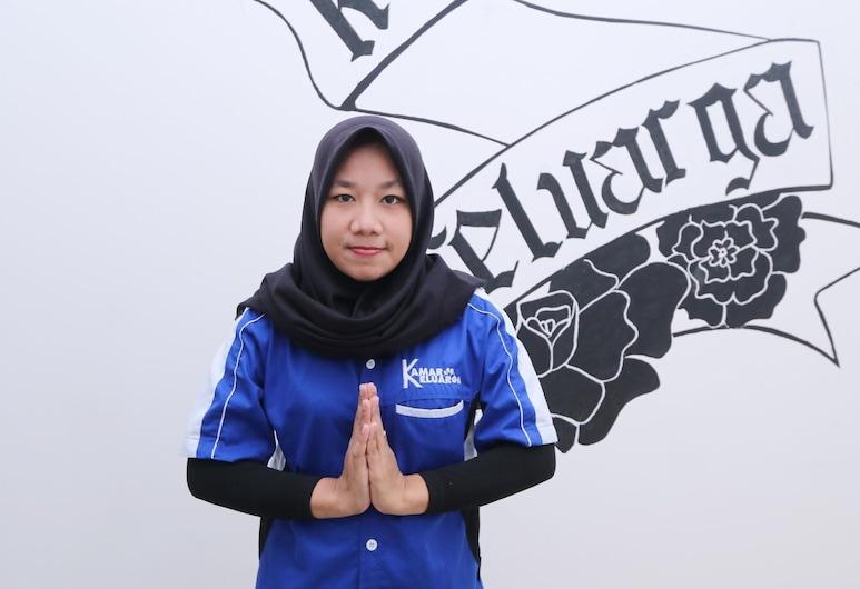 Kamar Keluarga Jelambar Hadiah Syariah, Jakarta