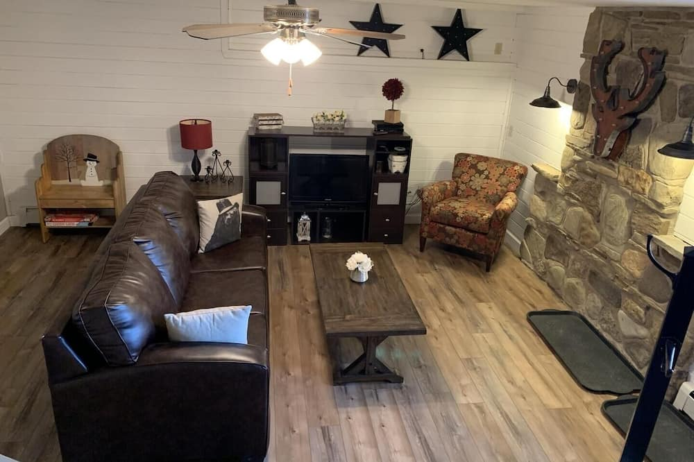Chalet, 3 Bedrooms - Living Room