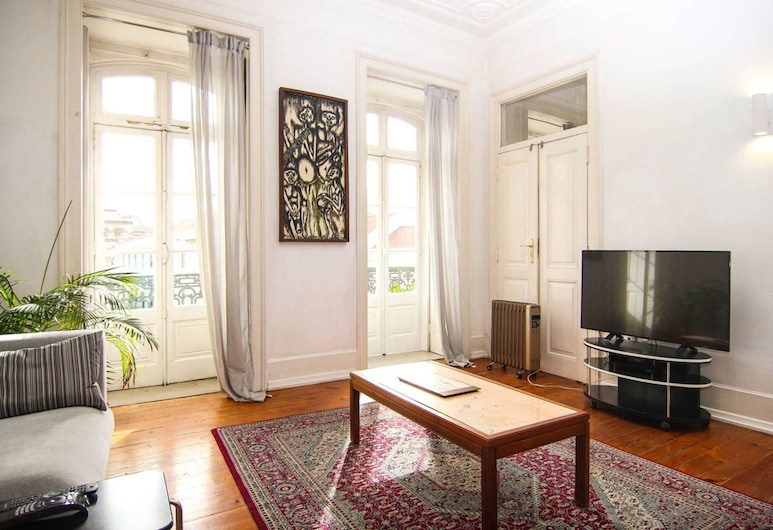 Spacious And Bright 4 Bedroom Apartment, Lisbon, Living Room