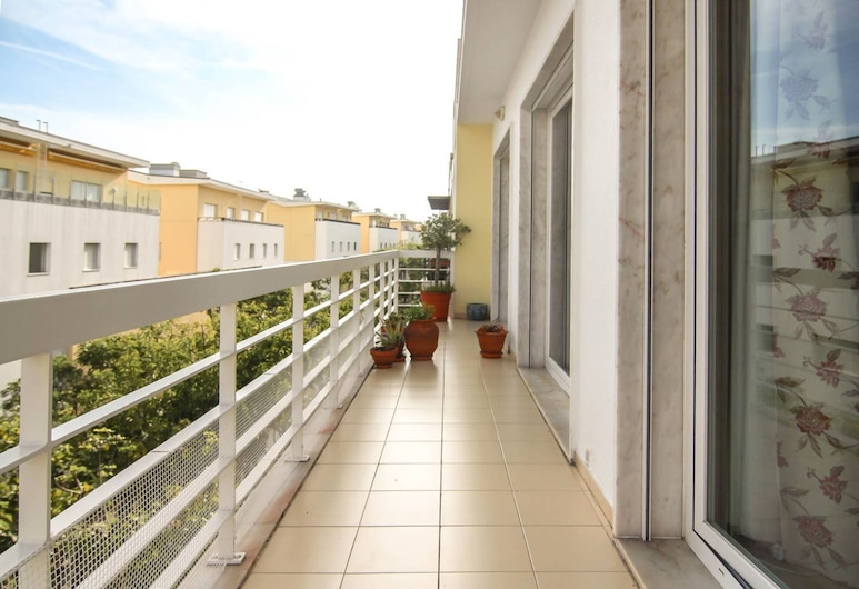 3 Bedroom Apartment by the Sea With Balcony, Lissabon, Balkon