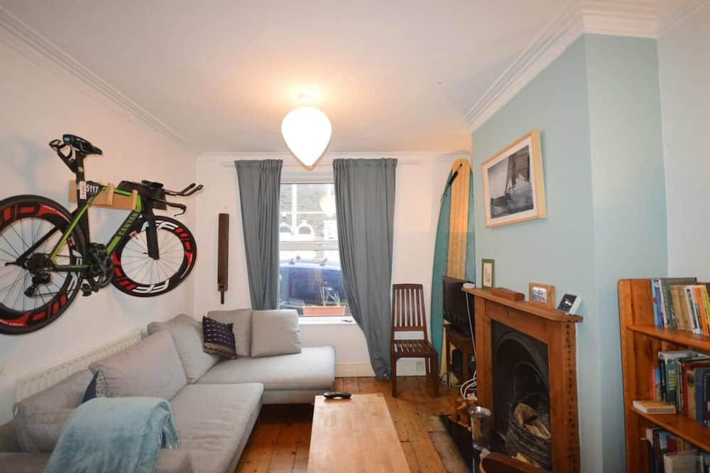 House (1 Bedroom) - Living Room