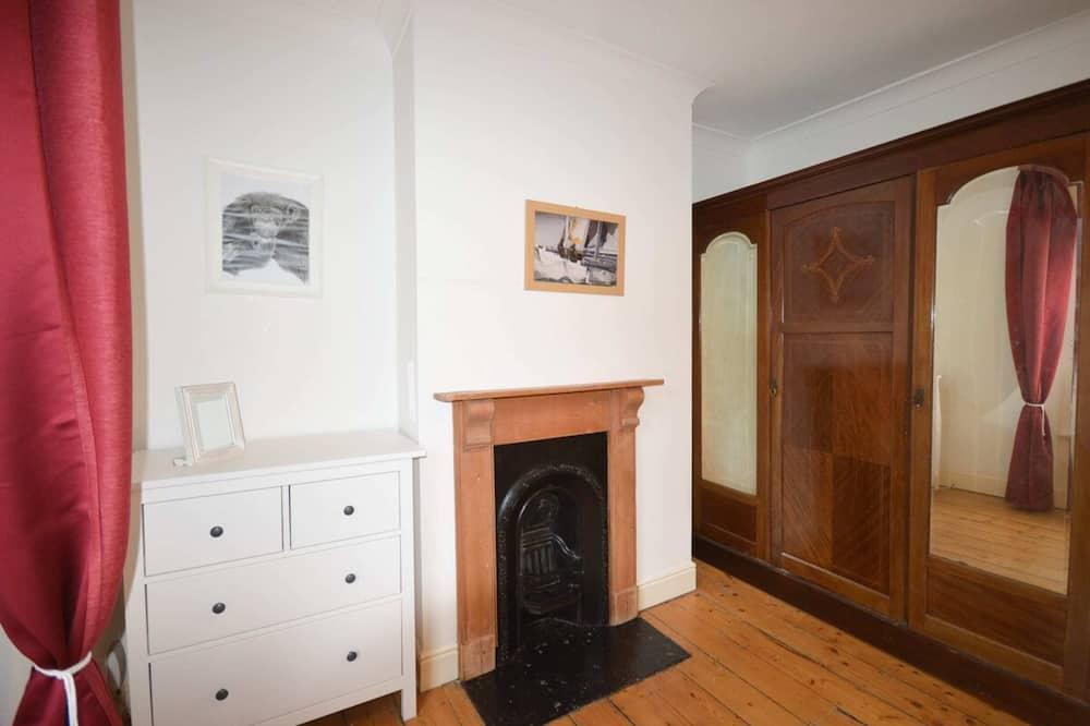 House (1 Bedroom) - Room
