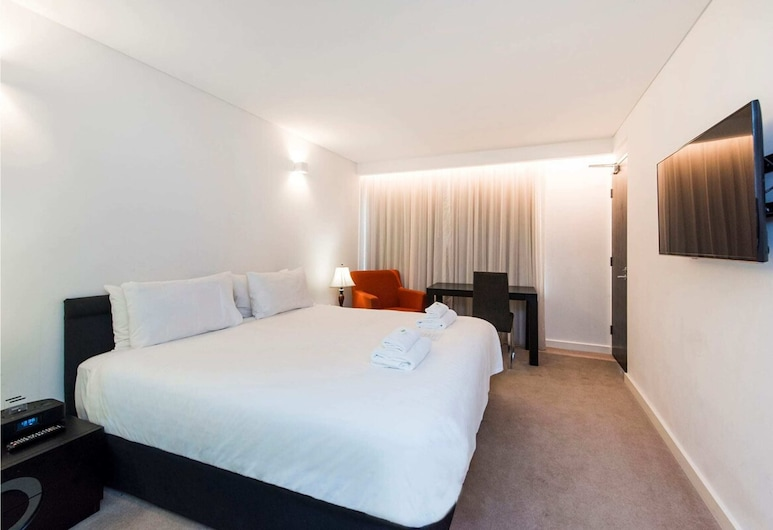 Contemporary Room + Roof Terrace. Stay in the City, Pertas