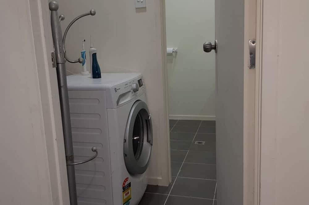 Studijas tipa numurs (0 Bedroom) - Veļas mazgātava