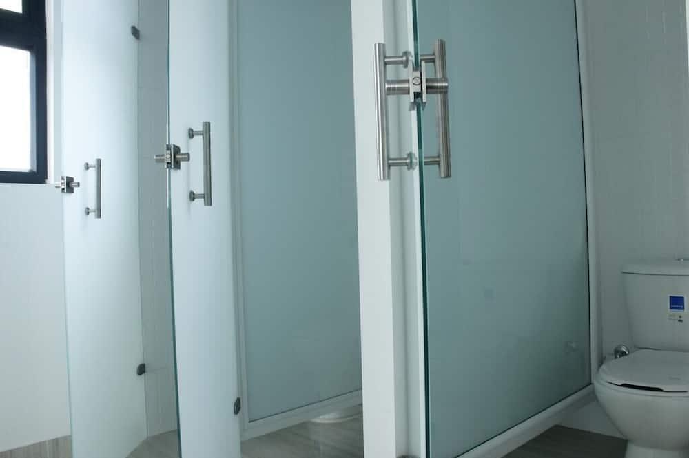 Standard Shared Dormitory - Bathroom
