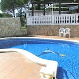 Villa - 6 Bedrooms with Pool and WiFi - 104106