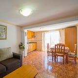 Family Villa, Birden Çok Yatak Odası, Havuz Manzaralı - Oturma Odası