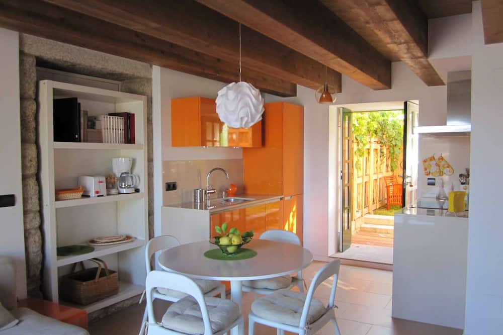 Apartment - 2 Bedrooms with WiFi - 107451
