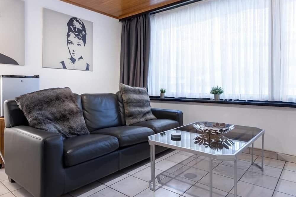 Deluxe Double Room - Living Room