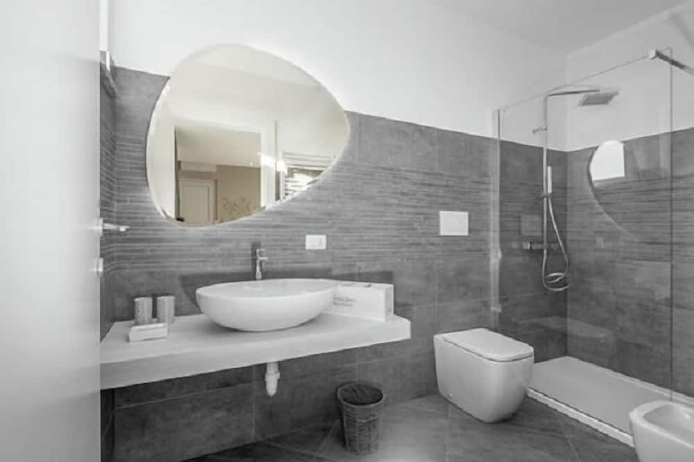 Habitación doble, bañera (in the room) - Baño