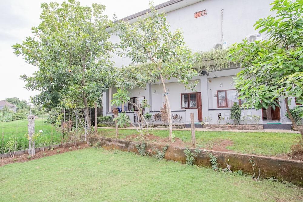 Стандартний двомісний номер - З видом на сад