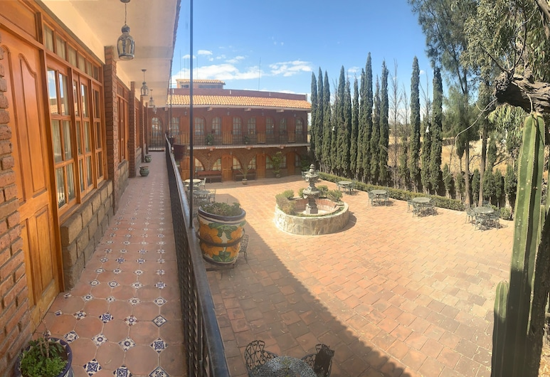 Capital O Hacienda Cuitláhuac, Huixquilucan, Jardín