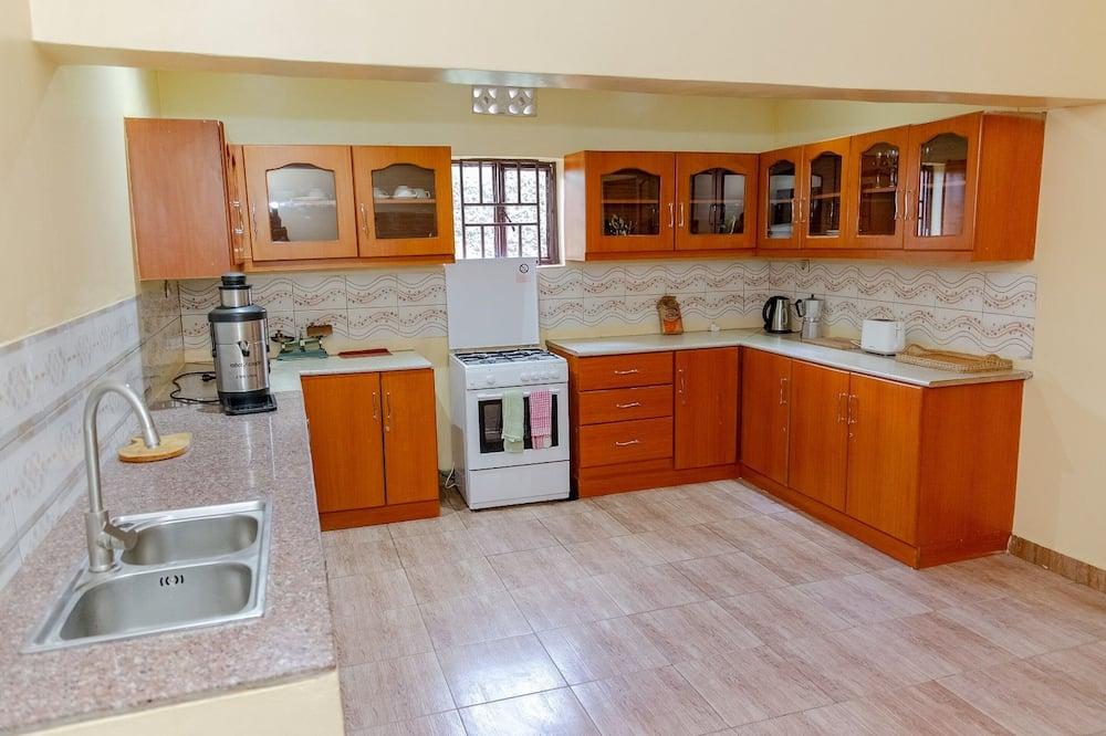 Camera doppia, bagno privato - Cucina in comune