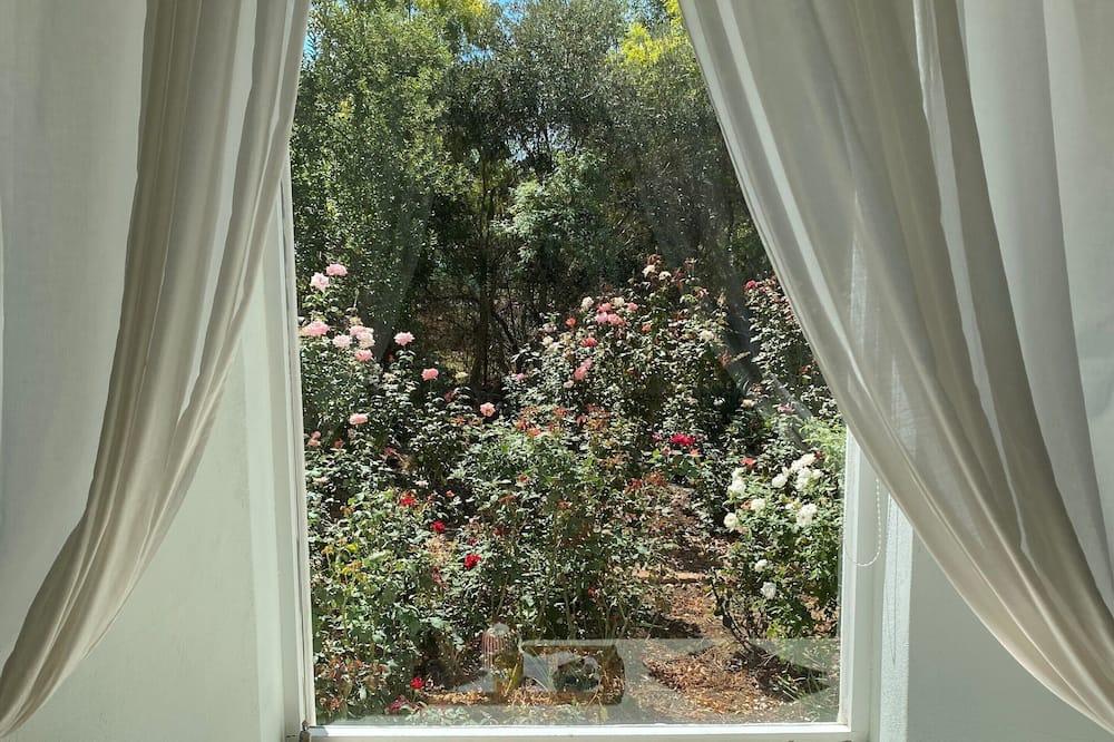 Δίκλινο Δωμάτιο (Double), 1 Διπλό Κρεβάτι (White Room) - Θέα στον κήπο