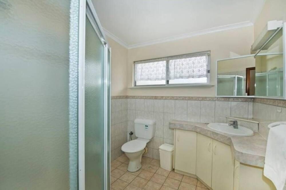 Апартаменти категорії «Економ», 2 спальні - Ванна кімната
