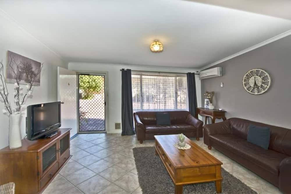 Апартаменти категорії «Економ», 2 спальні - Житлова площа