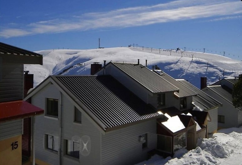 Hotham 1 Bed Apt 15 Available, Hotham Heights