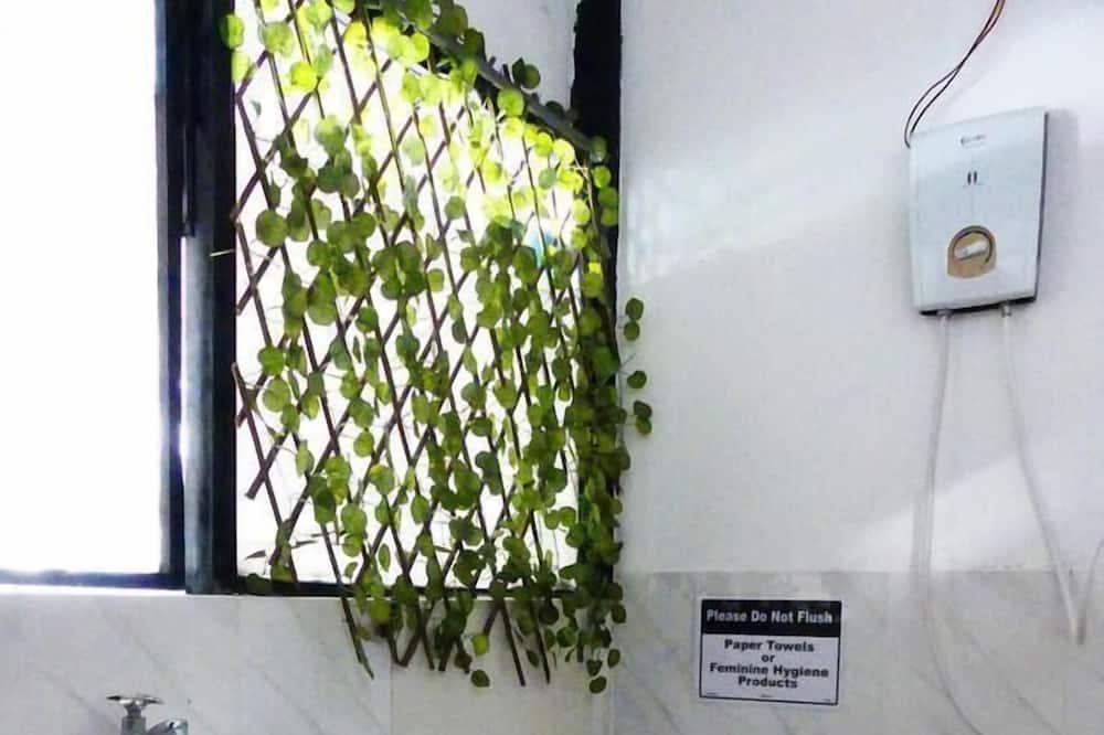 Standardna četverokrevetna soba - Kupaonica