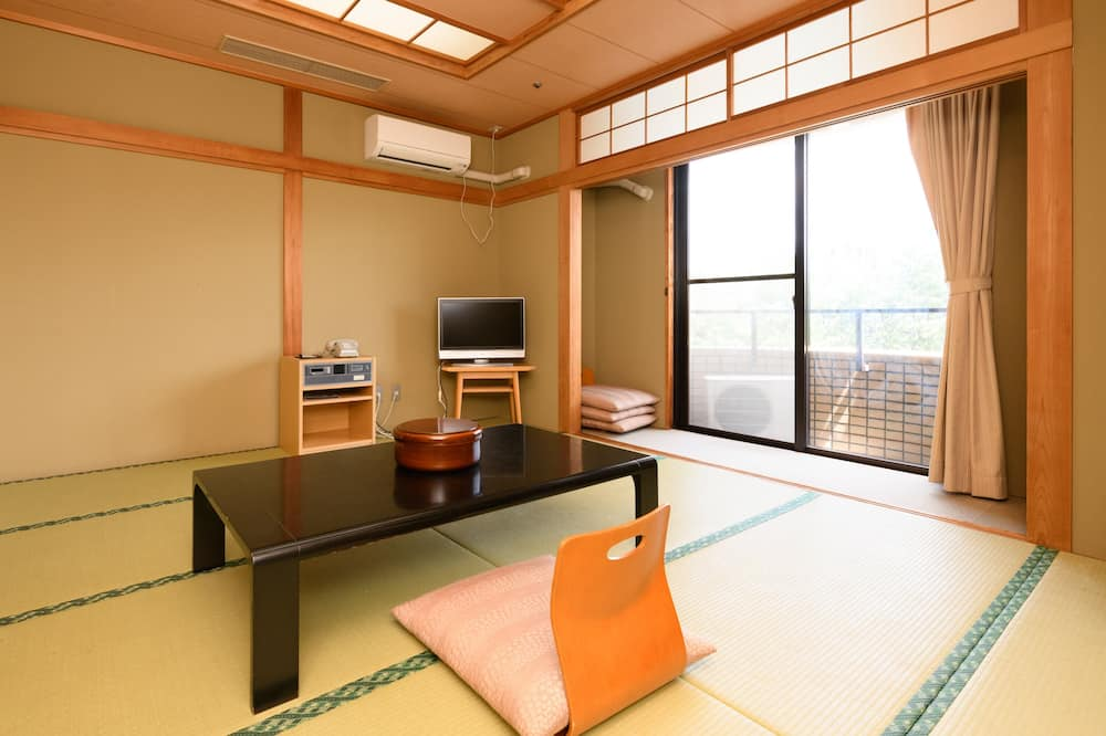 Třílůžkový pokoj, nekuřácký, společná koupelna (Japanese) - Obývací prostor