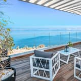 Deluxe Penthouse, 4 Bedrooms, Lake View - Balcony