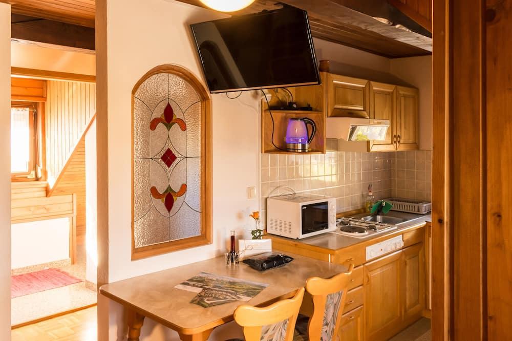 Apartment, Garden View - Living Room